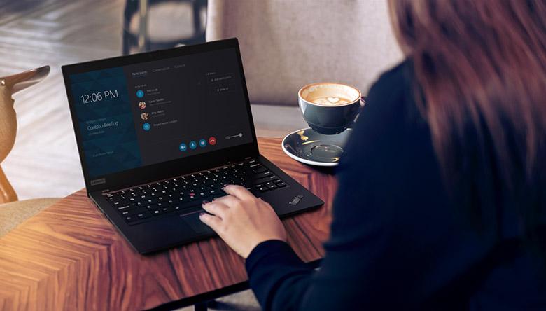 Lenovo ThinkPad Woman Office Working
